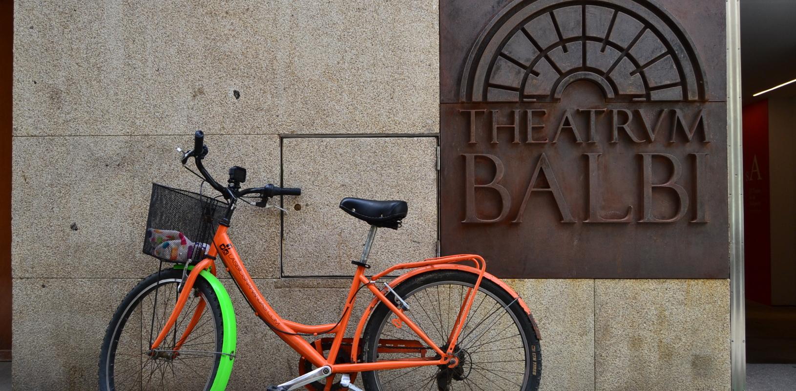 cadiz-teatro-romano-torre-tavira-beaterio-bici-bike-experience