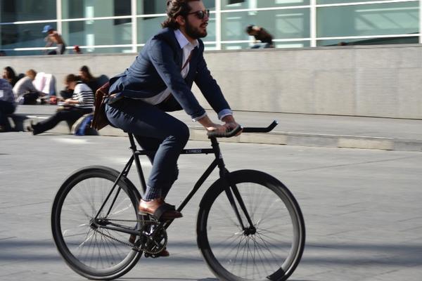 moderno en bici